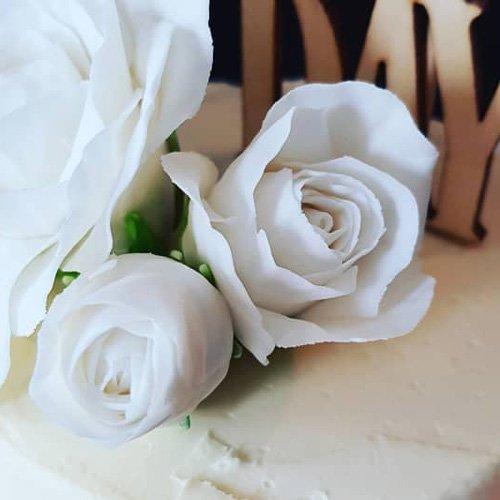 trouwtaart bloemen